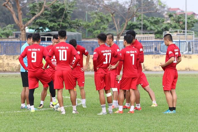 Chùm Ảnh : Phù Đổng FC Tập Luyện Trước Khi Lên Đường Đi Bình Phước