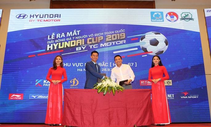 CLB Phù Đổng ký kết hợp tác phát triển bóng đá cộng đồng, bóng đá phong trào cùng Vietfootball